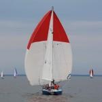 jacht bialo czerwony